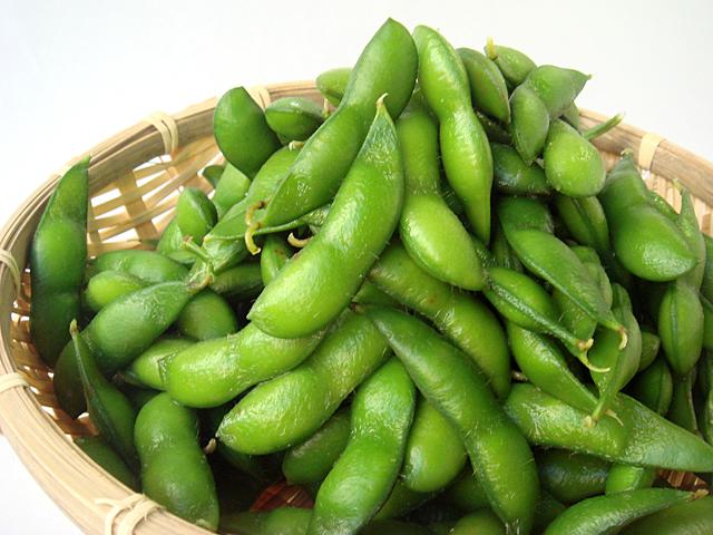 用家中常見的這個東西,煮出翠綠可口的帶殼毛豆吧!