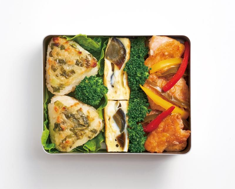 帶便當、野餐必備的飯糰怎麼包?不搭海苔也有三種變化技巧